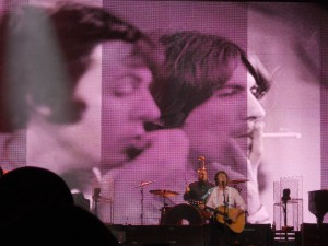 Paul McCartney In Concert - The George Harrison Tribute