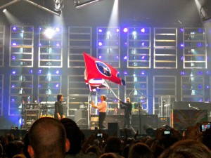 Paul McCartney In Concert - Waving The Tennessee Flag