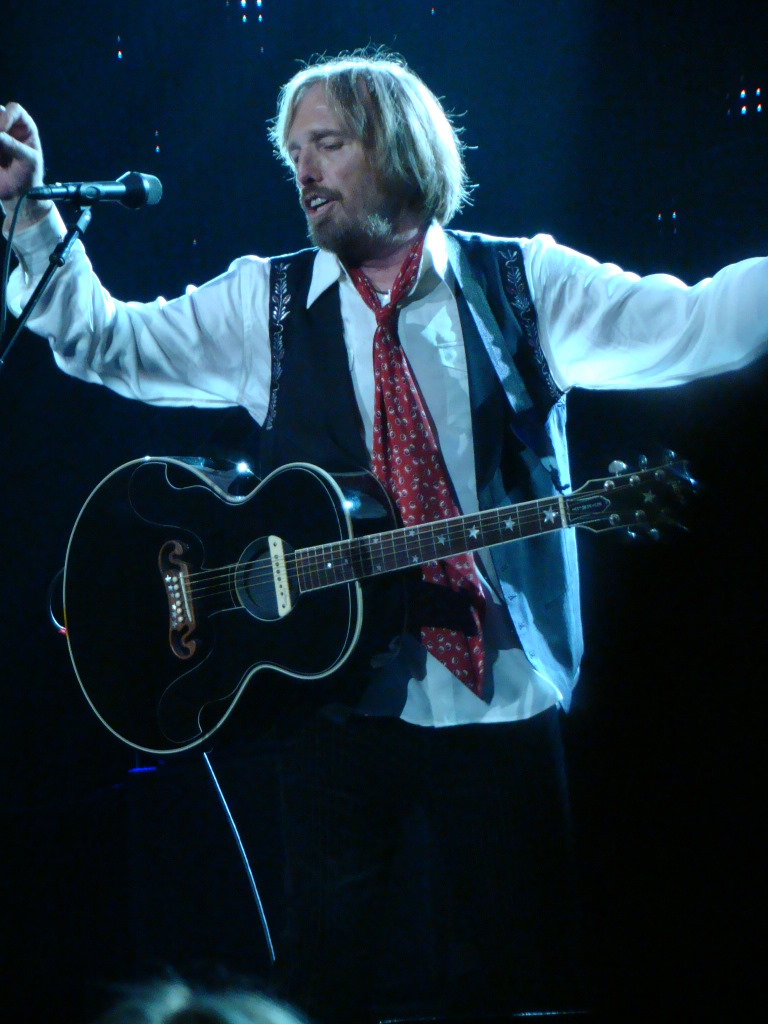 tom petty and the heartbreakers concert review nashville concert blast. Black Bedroom Furniture Sets. Home Design Ideas