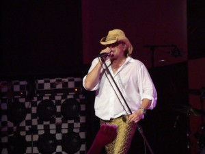 Robin Zander of Cheap Trick in concert - Nashville, TN