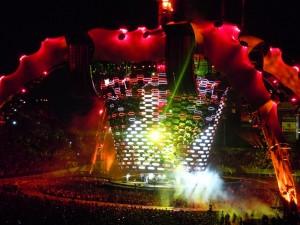 U2 Stage - Nashville, Tn - Vanderbilt Stadium - 7/2/2011 - The Video Screen Expanded