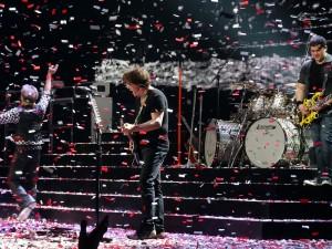 Van Halen In Concert - Closure of the show