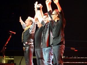 Van Halen In Concert - Waving Goodnight From The Stage