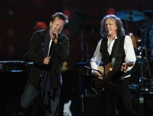 John Mellencamp and Donovan Perform
