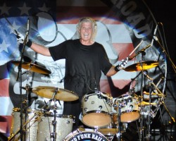 Grand Funk Railroad In Concert - Don Brewer