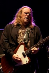 Warren Haynes of Govt' Mule In Concert