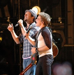 Jason Mraz with Hunter Hayes - CMA Music Festival 2013