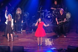 Natalie Grant and Kari Jobe performing at the K-Love Fan Awards