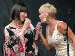 Pam Tillis and Lorrie Morgan Performing as Grits & Glamour