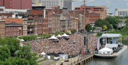 Riverfront Park - 2014 CMA Music Festival
